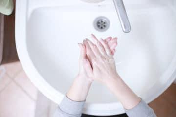 Domowy płyn do dezynfekcji dłoni z aloesem