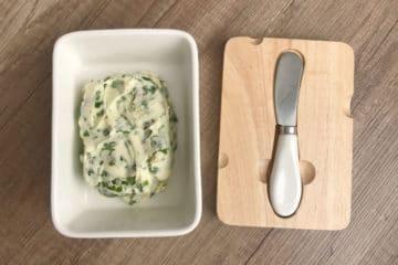 Masło do pieczywa z pietruszką i szczypiorkiem