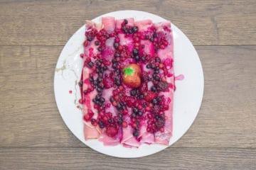 Cieniutkie naleśniki z owocami leśnymi