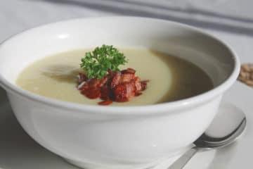 Zupa krem z gruszki i korzenia pietruszki