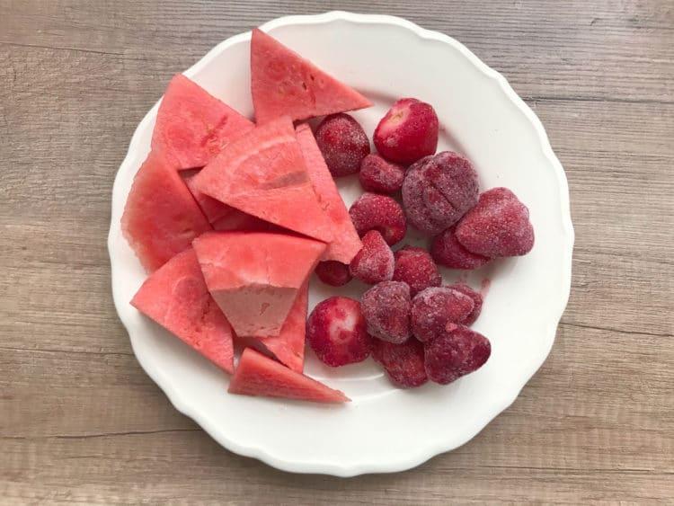 Smoothie z arbuzem i truskawkami na upalne dni