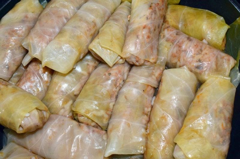 Gołąbki z mięsem mielonym w kapuście włoskiej