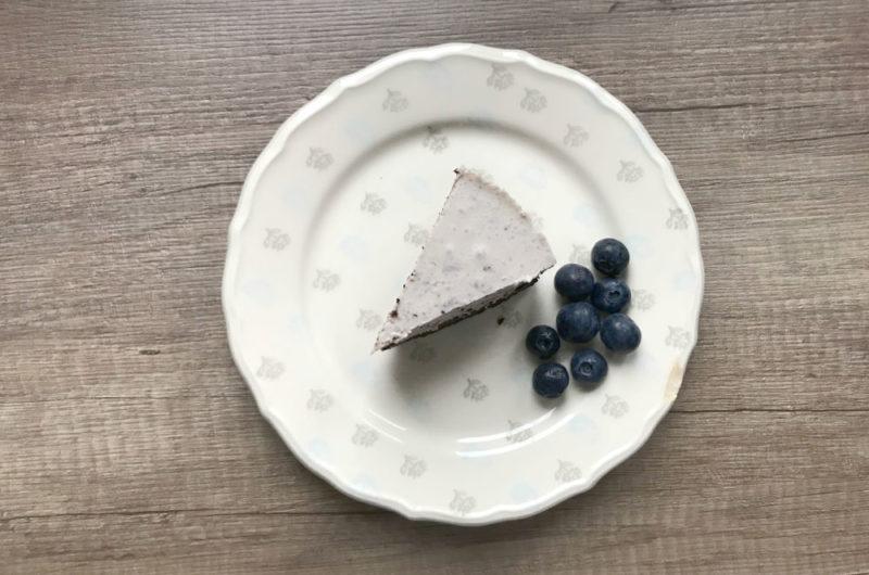 Sernik z borówkami amerykańskimi i białą czekoladą