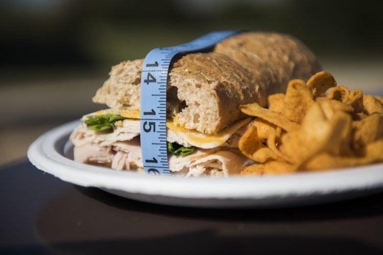 Czy zrzucanie wagi musi wiązać się z wyrzeczeniami?