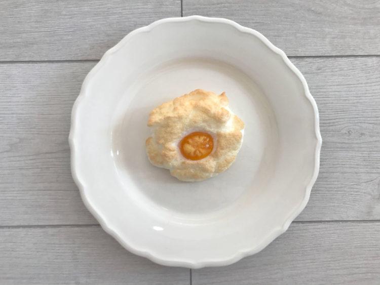 Śniadaniowe puszyste jajka zapiekane w chmurze