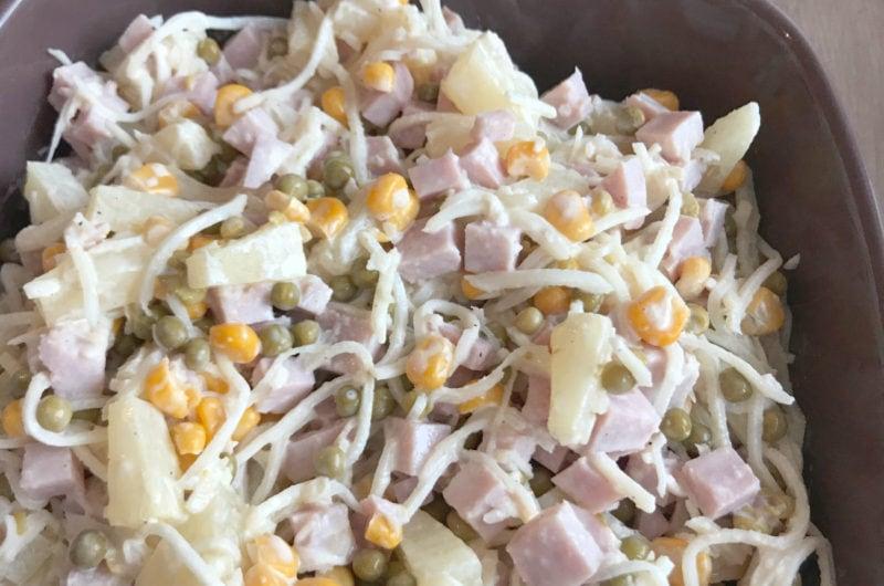 Sałatka z tartego selera korzeniowego z szynką