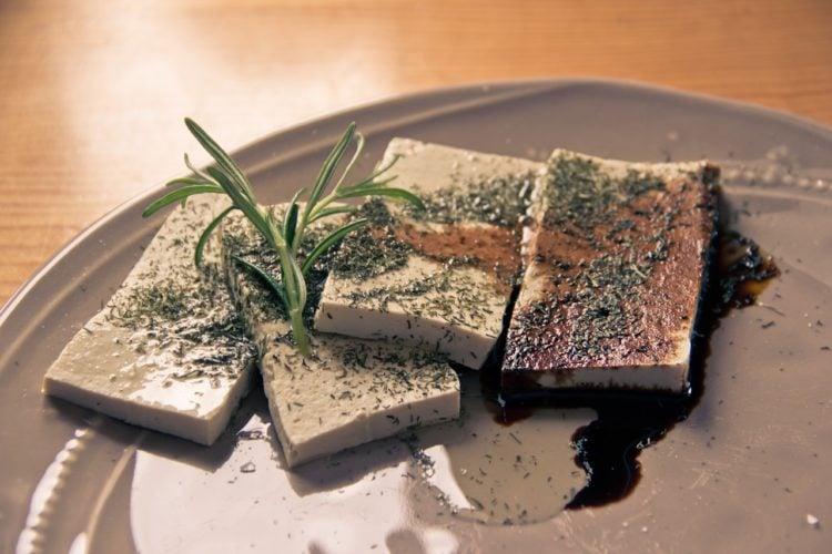 Tofu. Na czym polega jego niesamowity fenomen?