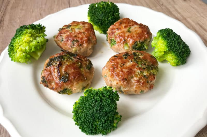Brokułowe kotlety mielone z tłuczonymi ziemniakami