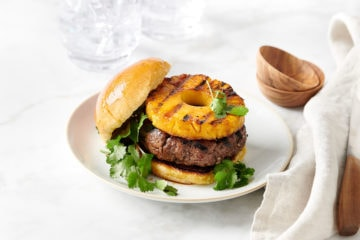 Burger Hawajski. Pyszny burger z anasem