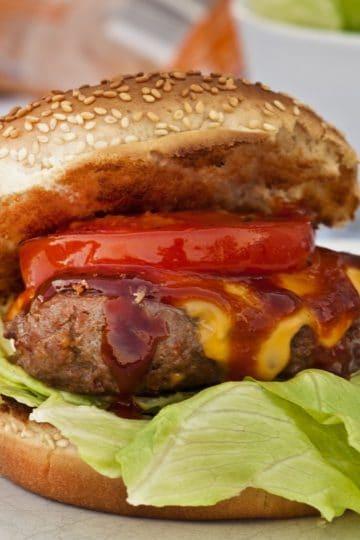 Burgery na ostro. Przepis na piekielne burgery