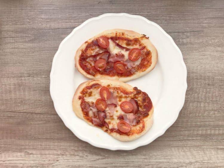 Pizzerinki drożdżowe mini pizza na przekąskę