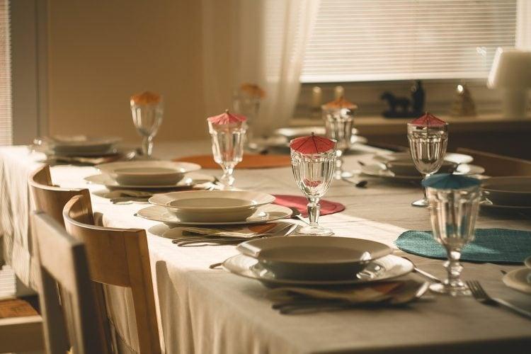 Przygotowywanie pożywnych posiłków rodzinnych.