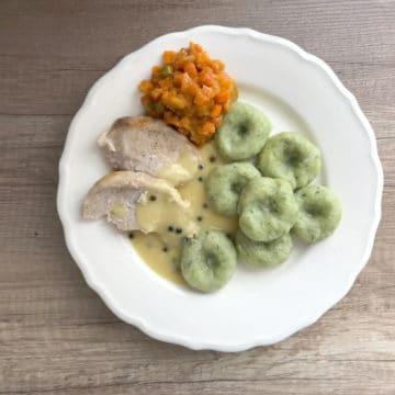 Zielone ziemniaczane kluski śląskie ze szpinakiem