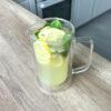 Prawdziwa lemoniada cytrynowa ze świeżą miętą