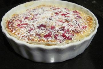 CLAFOUTIS francuskie ciasto naleśnikowe z owocami