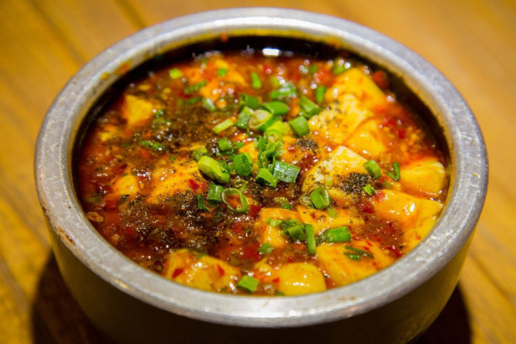 Wegańskie bezmięsne chili tofu sin carne