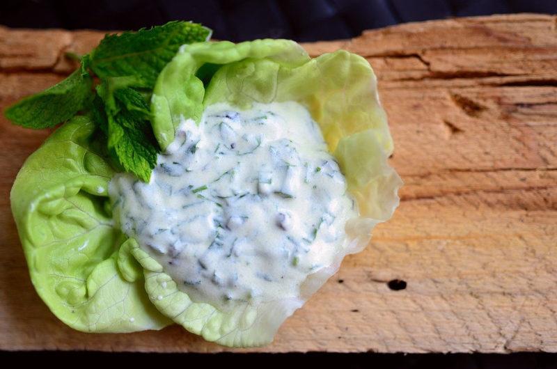 Grecki sos tzatziki na bazie jogurtu greckiego