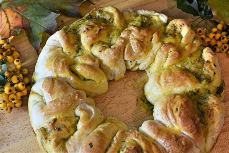 Chlebek ziołowy z masłem do odrywania