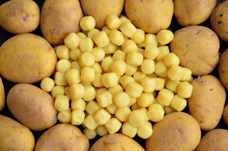 Szpinakowe gnocchi z sosem śmietanowo - orzechowym