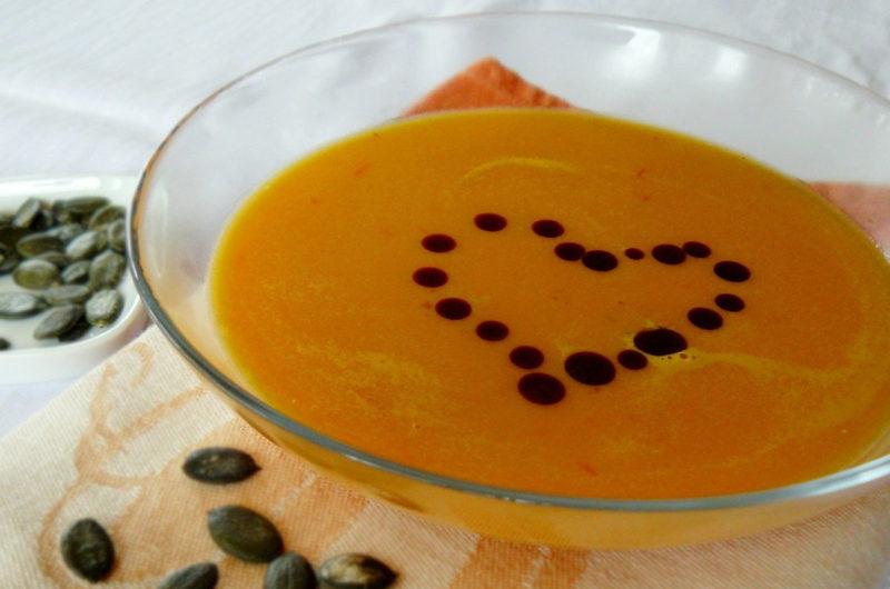 Kremowa zupa z dyni i jabłka