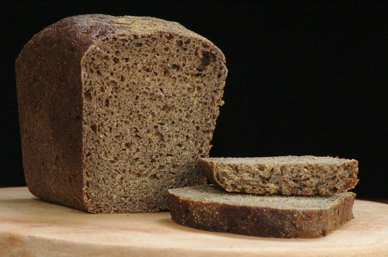 Chleb czeski na zakwasie żytnim