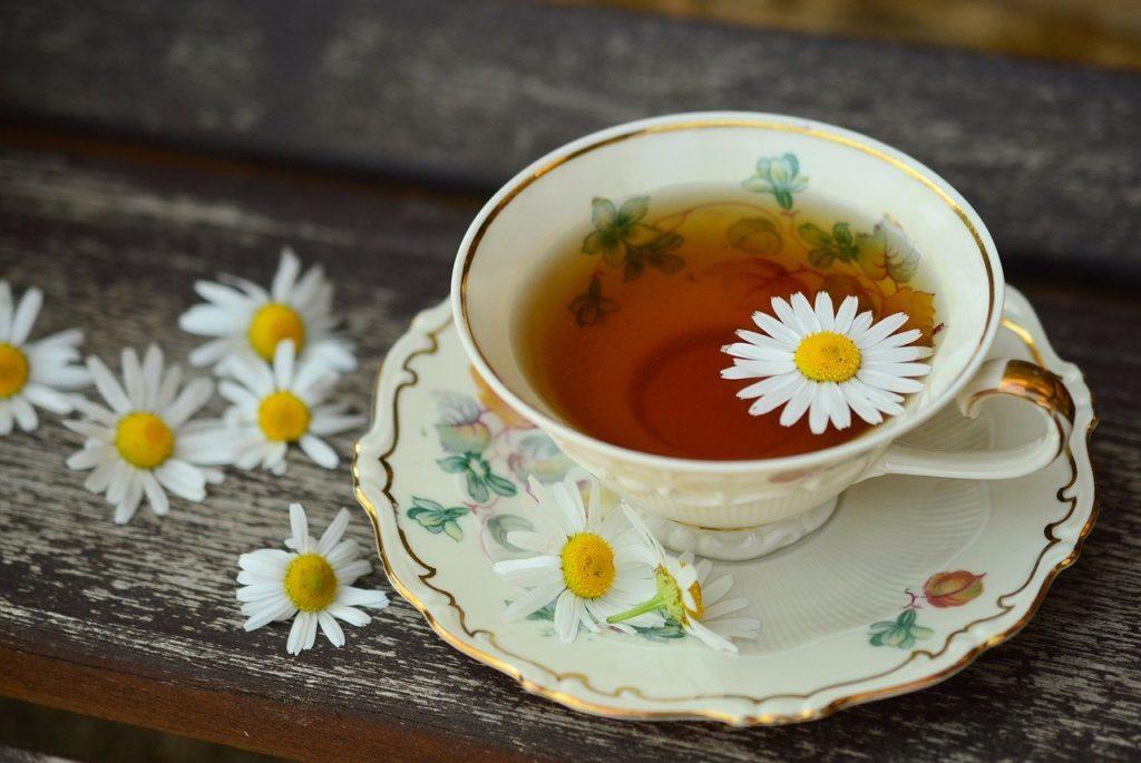 Poradnik. Dlaczego warto pić herbatki ziołowe?