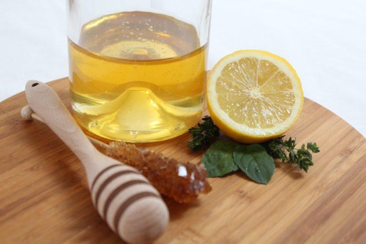 Czy miód może złagodzić przeziębienia i kaszel?