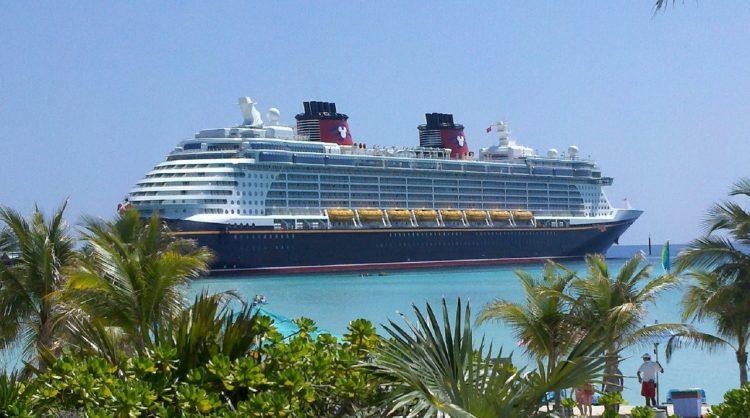 Statek wycieczkowy. Poczujmy nutę Karaibów