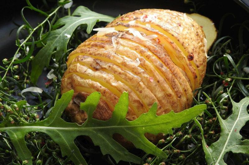 Pieczone ziemniaki hasselback - szwedzki specjał
