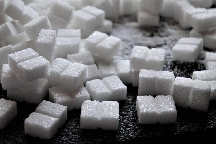 Czym zastąpić biały cukier w swojej diecie?