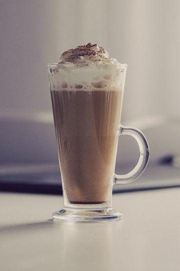 Pumpkin spice latte - kawa z syropem dyniowym