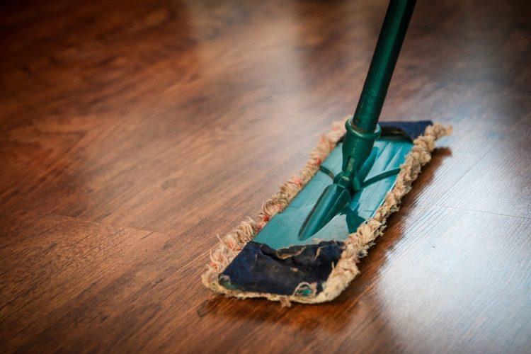 Jak spowolnić pojawienie się kurzu w domu?