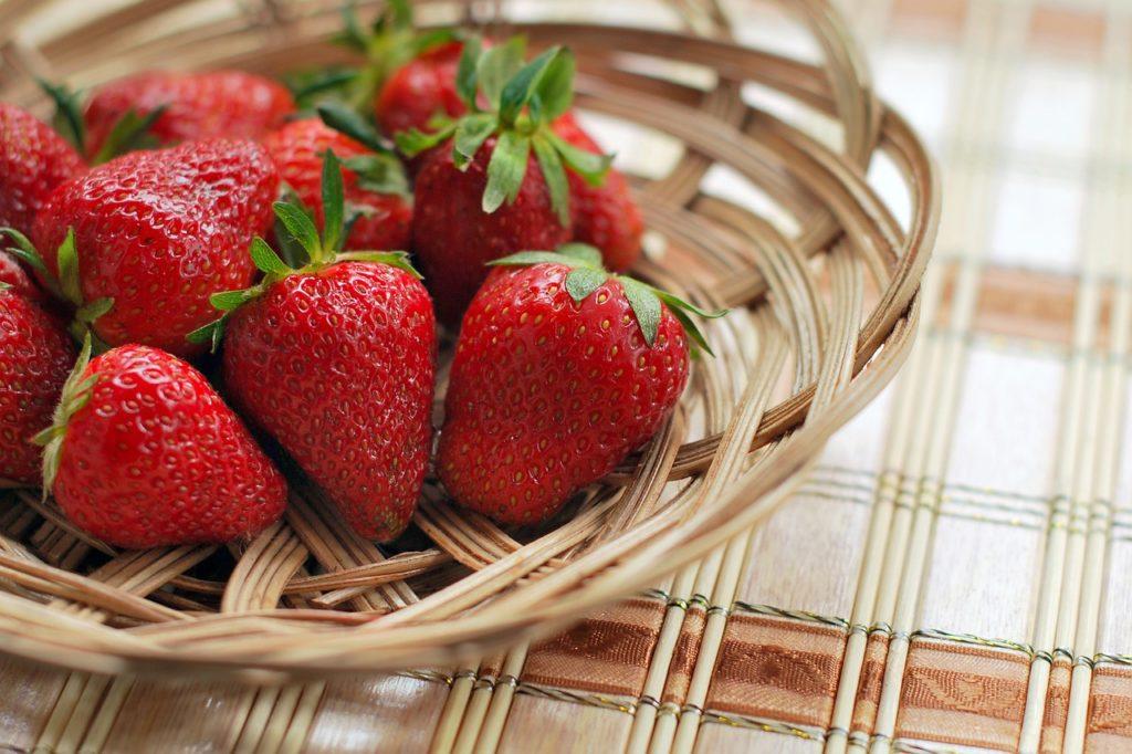 Dlaczego warto spożywać truskawki?