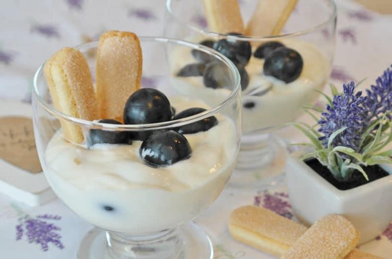 Zabaione włoski deser z likierem Amaretto
