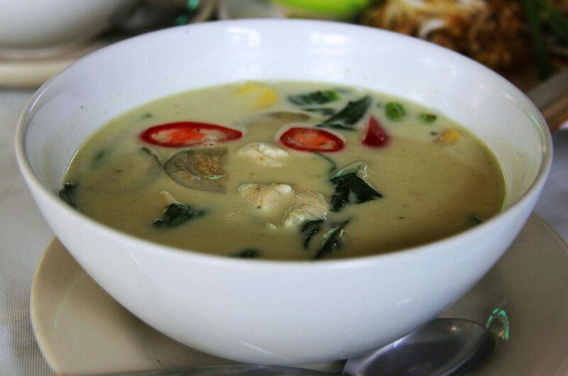 Tajskie zielone curry z krewetkami i ryżem