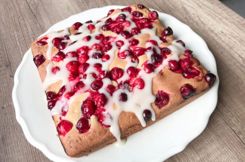 Ciasto z żurawinowe i cytrusową polewą