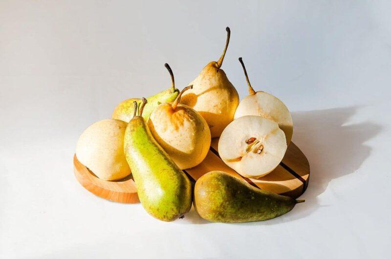 Ciasto gruszkowe z gruszkami w syropie