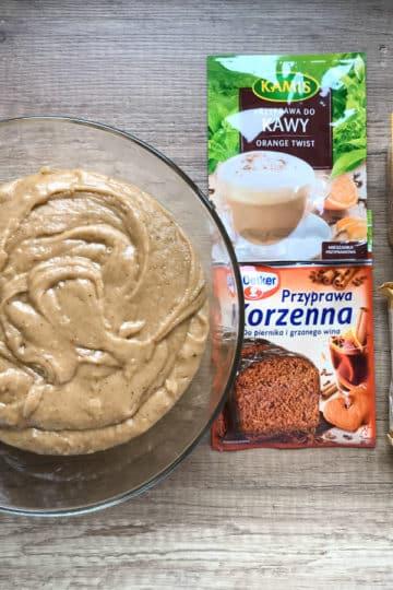 Piernik staropolski z powidłami śliwkowymi, marcepanem i czekoladą