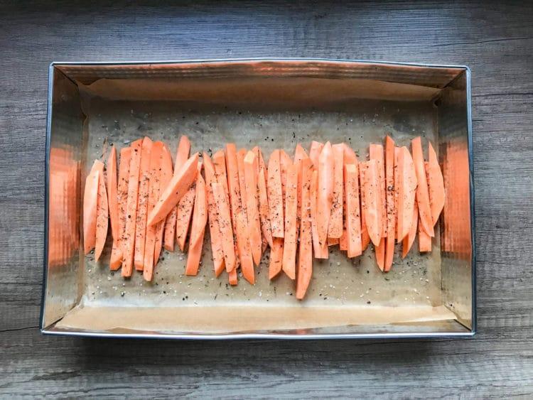 Pieczone frytki ze słodkich ziemniaków batatów