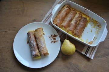 Zapiekane naleśniki z gruszką i serem pleśniowym