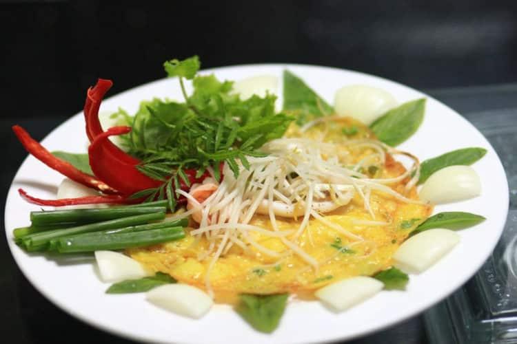 Omleciki śniadaniowe z szynką i serem