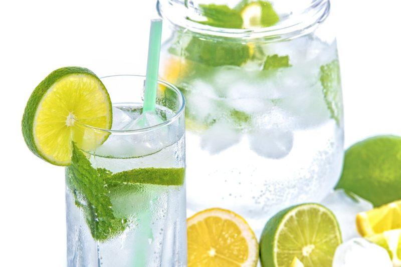 Co warto pić na diecie? Praktyczne porady.