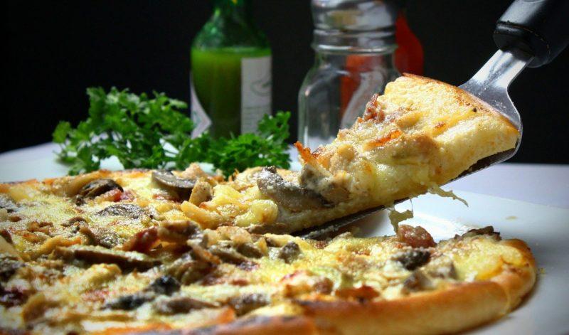 Sprawdzamy czy można jeść pizzę na diecie