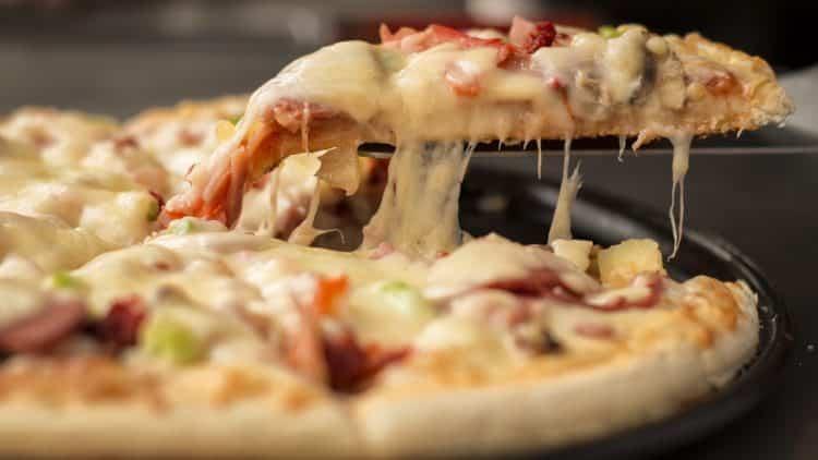 Pizza na dowóz. Czy warto czasem zamówić?