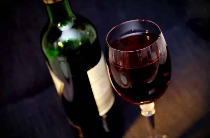 Jaki kieliszek do wina czerwonego i białego?