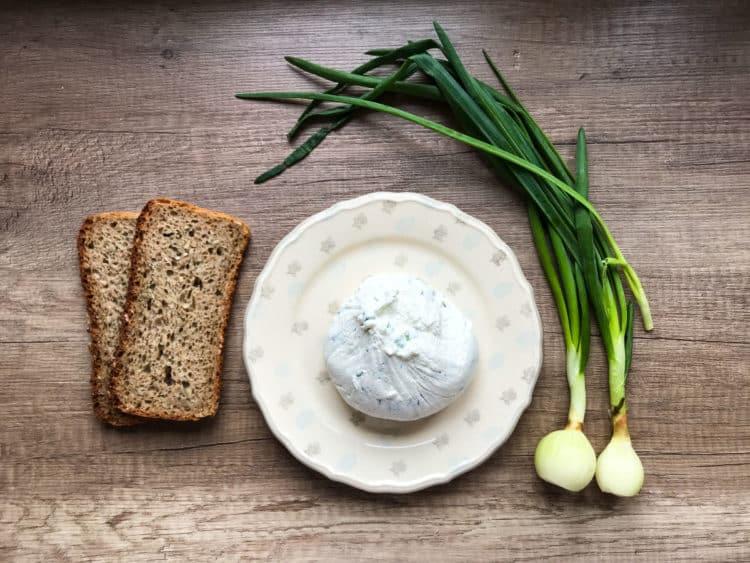 Labneh - serek z jogurtów greckich do smarowania