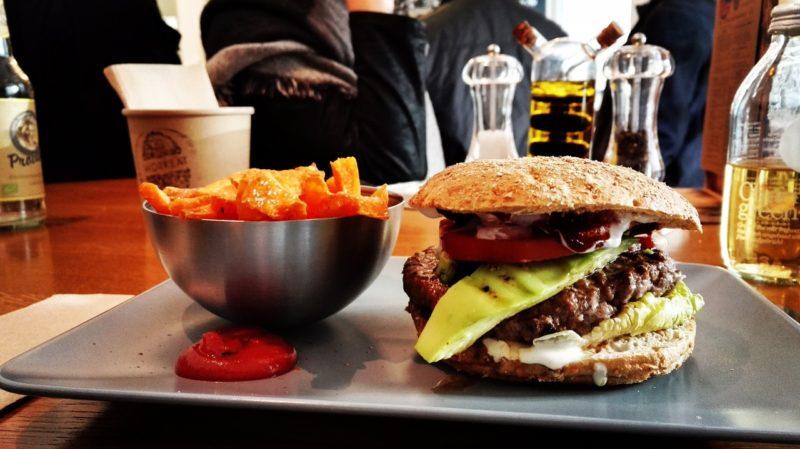 6 sztuczek, które pomogą przestać jeść fast foody