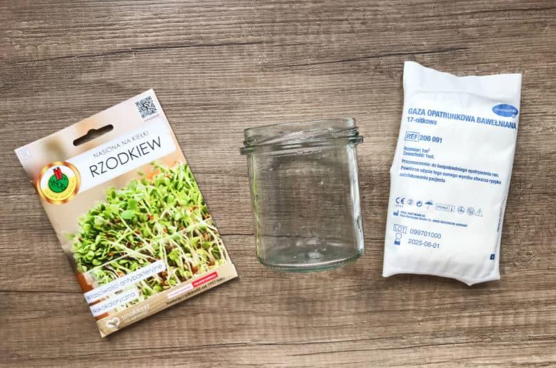Nasiona rzodkiewki - kiełki ze słoika