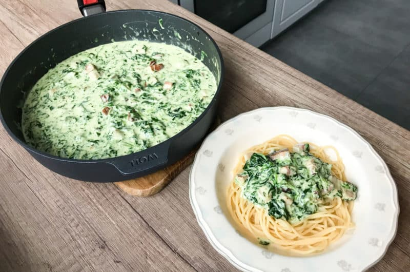 Makaron spaghetti z zielonym sosem à la zielona carbonara