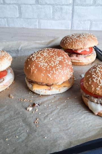 Domowe burgery z soczystą wołowiną